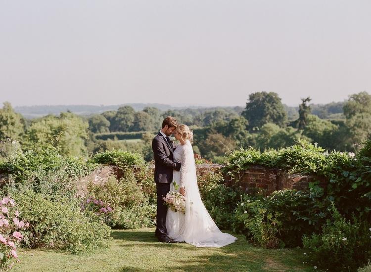 Tips on Planning a Garden Wedding